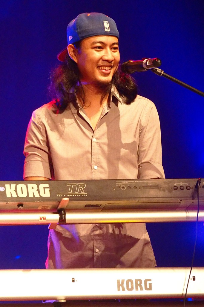 Jezz, they keyboard player who attract most of the young girl audiences